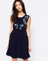 Приталенное платье с цветочным орнаментом Yumi - Темно-синий