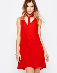 Цельнокройное платье с шарфом Daisy Street - Красный