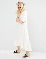 Платье миди с оборкой по кромке Monki - Белый