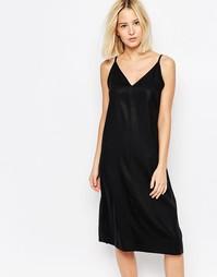 Платье Weekday - Однотонный черный