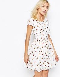 Чайное платье с принтом роз Iska - Кремовый