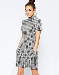 Цельнокройное платье из жаккардовой ткани с геометрическим узором Hedo Hedonia