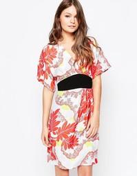 Платье с восточным цветочным принтом и рукавами-кимоно Closet