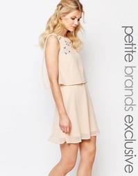 Короткое приталенное платье 2-в-1 с отделкой True Decadence Petite