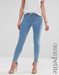 Облегающие джинсы с классической талией и необработанной ступенчатой к Asos Petite