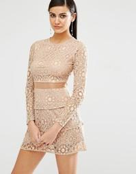 Кружевное короткое приталенное платье с сетчатой вставкой Missguided