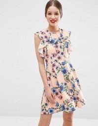Короткое приталенное платье с оборками и цветочным принтом ASOS