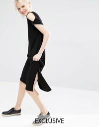 Эксклюзивное платье миди с открытыми плечами Monki - Черный