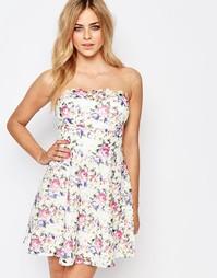 Короткое приталенное платье из цветочного кружева Lipsy
