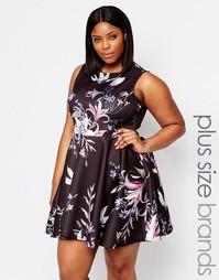 Короткое приталенное платье с цветочным принтом AX Paris Plus