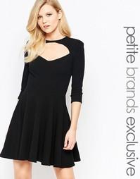 Короткое приталенное платье с вырезом спереди и короткими рукавами Joh John Zack Petite