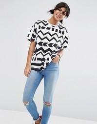 Oversize-футболка с шевронным принтом ASOS - Мульти