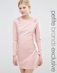 Облегающее платье с длинными рукавами и люверсами True Decadence Petit