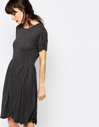 Трикотажное платье с присборенной юбкой Just Female Imani