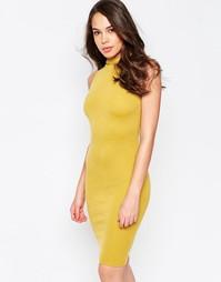 Облегающее платье с высокой горловиной AX Paris - Горчичный