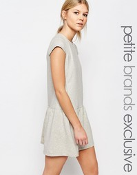 Трикотажное платье с оборкой на подоле One Day Petite - Серый меланж