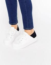Кроссовки на шнуровке и плоской платформе ASOS DOWNTOWN - Черно-белый