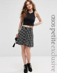 Короткая расклешенная юбка с карманами и цветочным принтом ASOS PETITE
