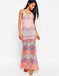 Кружевное платье макси с глубоким вырезом Love Triangle - Pink multi