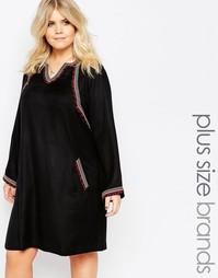 Короткое приталенное платье с длинными рукавами и вышивкой Alice & You