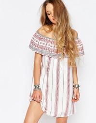 Платье с открытыми плечами Glamorous - Кремовый