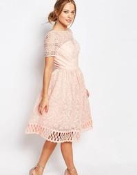 Кружевное платье с короткими рукавами Chi Chi London Premium