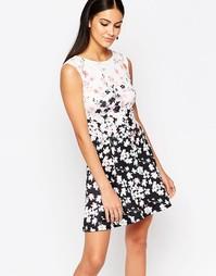 Приталенное платье-миди со свободной юбкой и принтом Lipsy - Мульти