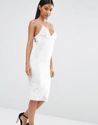 Бархатное платье миди на бретельках Club L - Белый