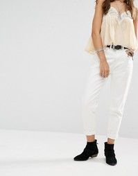 Джинсы в винтажном стиле с высокой талией Boohoo - Белый
