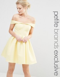 Платье мини для выпускного с пышной юбкой Chi Chi London Petite