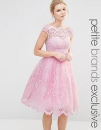 Кружевное платье миди для выпускного с вырезом лодочкой Chi Chi London
