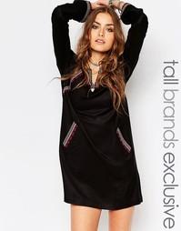 Короткое приталенное платье с длинными рукавами и вышивкой Glamorous T