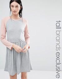 Трикотажное платье миди с контрастными рукавами реглан 3/4 One Day Tal