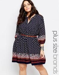 Платье с поясом и принтом Yumi Plus - Темно-синий