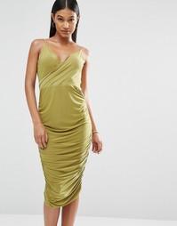 Платье миди с запахом спереди и драпировкой на спинке Club L
