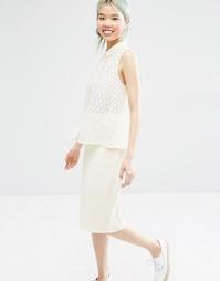 Блузка с кружевной отделкой кроше Monki - Почти белый
