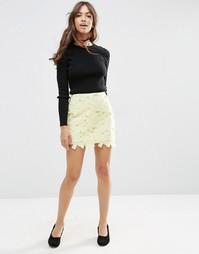Кружевная мини-юбка с фигурной кромкой ASOS - Желтый
