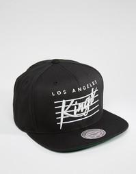 Бейсболка с надписью LA Kings Mitchell & Ness - Черный
