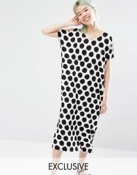 Платье-футболка миди в горошек Monki Exclusive - В крупный горошек