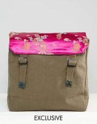 Рюкзак в стиле милитари с атласной отделкой с цветами Reclaimed Vintag