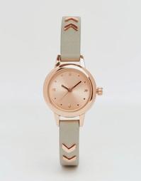 Часы с небольшим циферблатом и узким ремешком ASOS - Серый