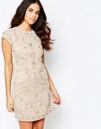 Цельнокройное платье с декоративной отделкой и короткими рукавами A St