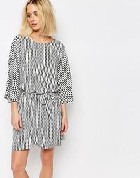 Платье с принтом и поясом Just Female Shary