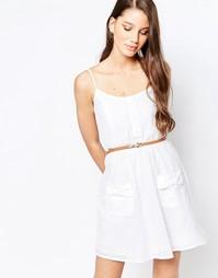 Короткое приталенное платье с ремнем Girls On Film - Белый