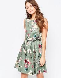 Короткое приталенное платье с цветочным принтом и завязкой на бант Clo Closet