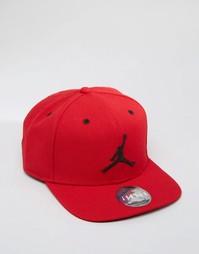 Красная бейсболка Nike Jordan Jumpman 619360-689 - Красный