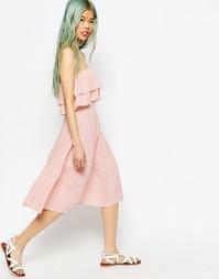 Сарафан-бандо с открытыми плечами и оборкой ASOS - Розовый