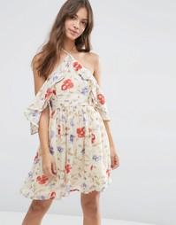 Платье мини с вырезами на плечах, рукавами рюшами и винтажным цветочны Asos