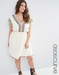 Короткое приталенное платье с цветочной вышивкой по краю ASOS CURVE