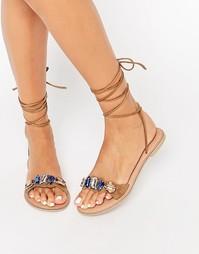 Кожаные сандалии с камнями и завязками ASOS FOCUS - Рыжий